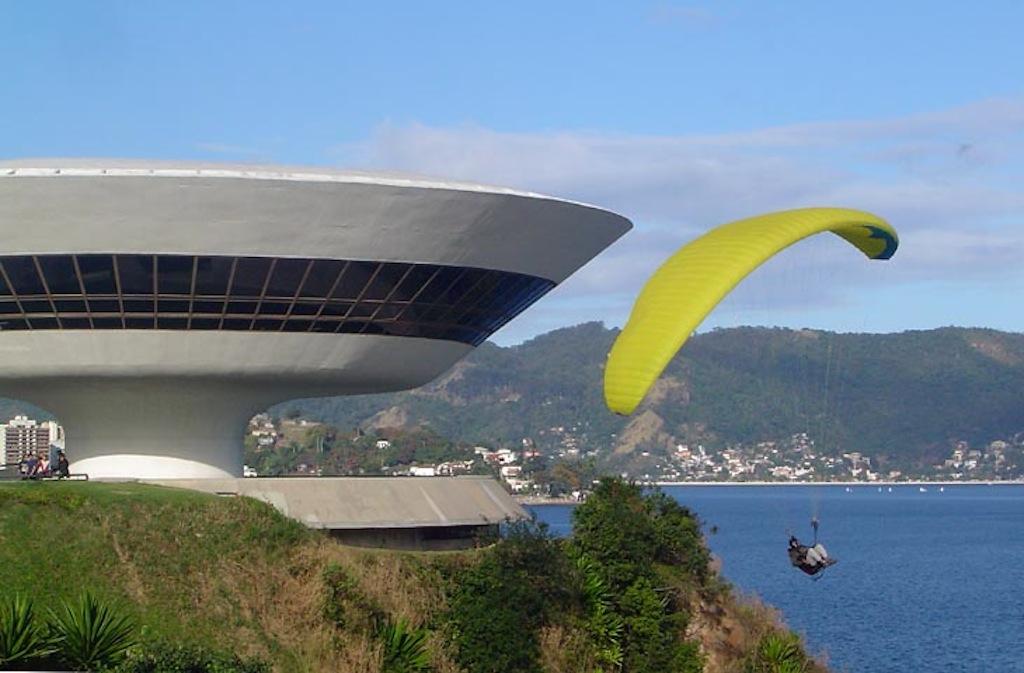 Museu Arte Comtemporanea www.brazilfilms.com